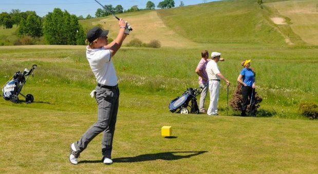 Jakie są zasady gry w golfa?