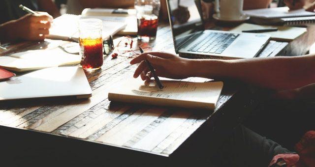 Jak efektywnie zarządzać zespołem pracowników?